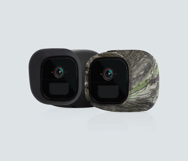 Set of 2 Skins in Black and Camouflage